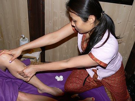 Fussmassage bei Mudturadas Thai Massage in Wetzlar - Beispielbild 2
