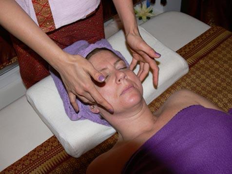 Gesichtsmassage bei Mudturadas Thai Massage Wetzlar - Muskulatur